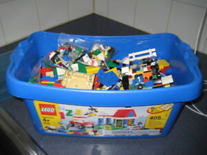 VINTAGE LEGO WITH ACCESSORIES ORIG BOX