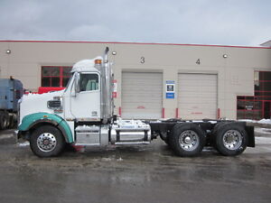 2011 - 122SD - Day Cab