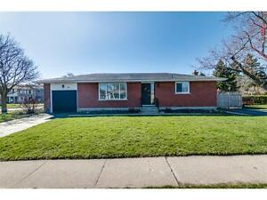 NEW LISTING: 3 Bedroom Bungalow in Heritage Park