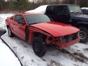 2006 MUSTANG ROLLING CHASSIS AND 05-09 MUSTANG PARTS