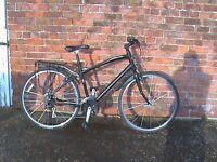 """Specialised 19.5"""" Lightweight Aluminium Framed Hybrid Bike 24 Shimano Quickshift gears."""