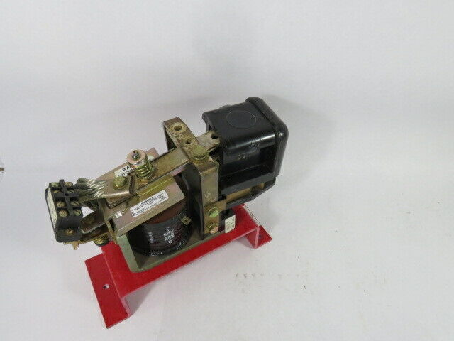 Hubbell 14-193-805-544 Type 264 DC Contactor 125VDC Coil 400A 600VDC  USED