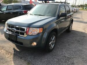 2011 FORD ESCAPE XLT -FWD / SUNROOF / Microsoft Sync