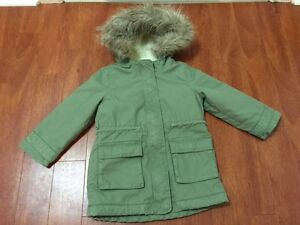 GAP Winter Coat for Girl Size 4 (Extremely Warm)