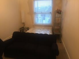 2 LARGE DOUBLE ROOMS STRATFORD-E13 8QE