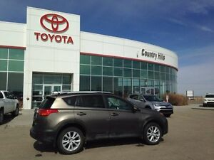 2015 Toyota Rav4 Limited, AWD, Navigation, Leather