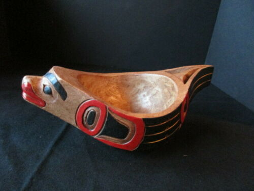 CLASSIC NORTHWEST COAST DESIGN, CARVED WOODEN SEAL EFFIGY BOWL,  WY-04641