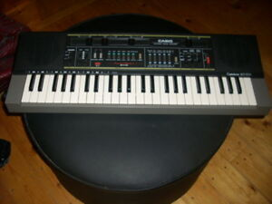 KEYBOARD CASITONE MUSICAL INSTRUMENT