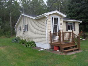 Small Cozy 1 Bedroom Bungalow in Country Setting