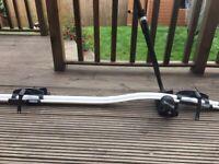 Thule roof mounted lockable bike rack