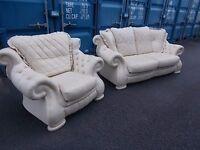 Genuine Italian Pendragon 2 piece leather suite Beautifull condition,Looks Unused!!!