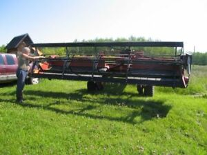 IHC 4000 Swather/L2 Gleaner combine
