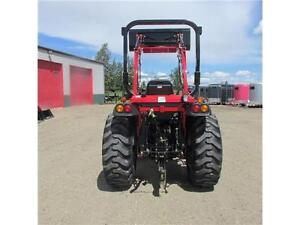 New TYM T354 - 35 HP Ranch Tractor w. ROPS & Front Loader Edmonton Edmonton Area image 9