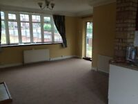 3 Bed House, Would Suit Family or Professionals. AVAILABLE NOW!