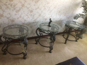 $229.99 ~~ Like New 3 Coffee Ashely Tables ~~ $229.99