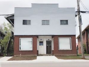 SACKVILLE DOWNTOWN! 3 BED APARTMENT!