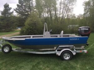 2017 JACKFISH 17' OUTBOARD JET BOAT- CENTER CONSOLE