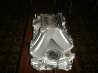 Intake Gros Bloc Chevy  Holley Strip Dominator