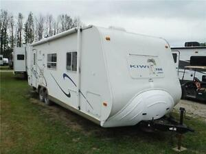 2003 Jayco Kiwi Too 26S Ultra Lite Travel Trailer with Slideout Stratford Kitchener Area image 1