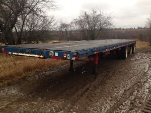 35' Flat deck trailer tri-axle
