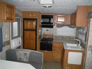 2007 Pilgrim 252RKS Rear kitchen 5th Wheel Trailer with slideout Stratford Kitchener Area image 4