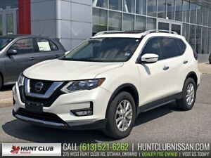 2018 Nissan Rogue SV AWD | Panoramic Moonroof, Htd Seats, Rear C
