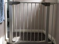 LINDAM safety gate very good condition