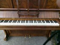 Piano in excellent condition.