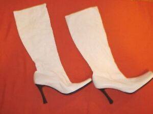 Women Vintage White Boots.Size 41. Made in Italy Stylish Elegant