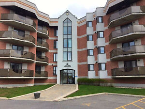 Luxurious condo for rent - Dollard-Des-Ormeaux / West Island