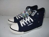 Brand New in box British Knights - Navy size 6