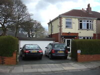 RARE CORNER PLOT~ FULLY MODENISED SUPERB EXTENDED 3 BED SEMI DETACHED~DOUBLE GARAGE~PRIME LOCATION.