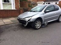 URGENT - Peugeot 206 - £150 ONO (damaged - front bumper missing) good for spare parts and engine.