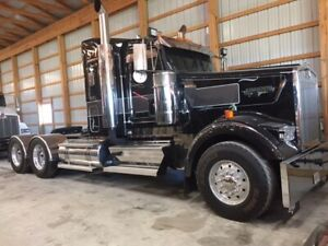 In search of a kenworth w900B or L heavy haul truck