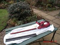 Lithium-Ion 18V DC hedge trimmer