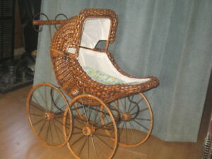 Vintage Beautiful Wicker Baby Doll Carriage