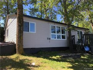 3 BR cottage in popular resort town near Riding Mountain N Park