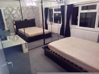 Double room avaiable at shared house in Redhill