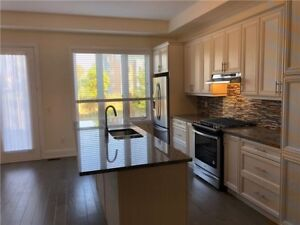 Luxury 3 Bedroom Detached Home for Rent - Thornhill