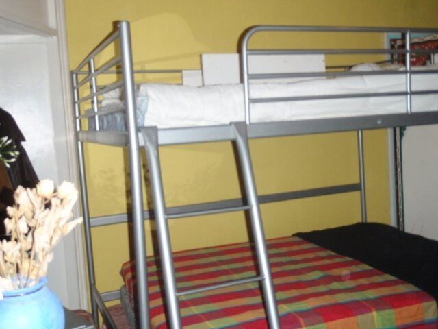 A very big double bedroom available with 3 large Windows,Zone 1.two people sharing