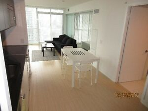 DOWNTOWN CONDO 1 BR, CORNER UNIT, LAKE VIEW, APPROX. 673 SQFT