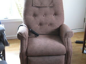 ELECTRIC RECLINEER CHAIR