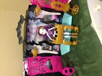 Monster high doll house with speakers
