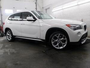 "2012 BMW X1 BLANC / ROUGE NAVI MAGS 18"" CUIR TOIT PANO. 79,900KM"