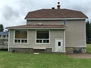 Maison 1½ étages à louer sur le bord d'un petit lac Lac-Saint-Jean Saguenay-Lac-Saint-Jean image 2