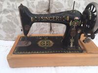 ANTIQUE SINGER SEWING MACHINE 1914 NEEDS REFURBISHMENT