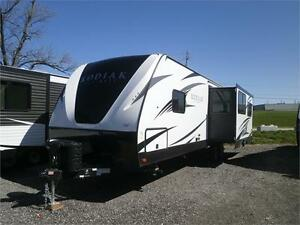 2018 DUTCHMEN KODIAK ULTIMATE 290 RLSL! LOADED! $36995!!