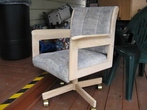 Four Kitchen/Dinette chairs