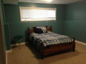 Attention Students - Large Bedroom for rent