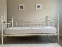 Feather & Black Evie Day Bed